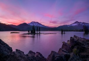 Sparks Lake at Sunset. On the Ray Atkeson trail, Oregon Cascades